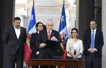 Gobierno chileno aprueba plebiscito para nueva Constitución