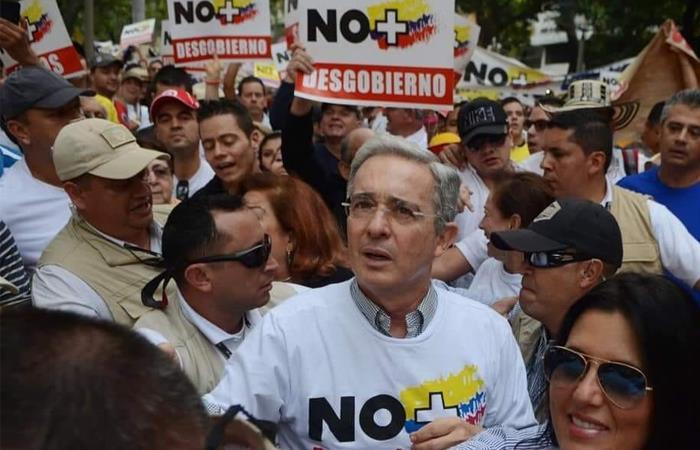 Álvaro Uribe defiende gobierno de Iván Duque