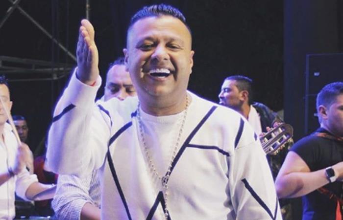 Rafael Santos lleva dos diamantes en sus dientes. Foto: Instagram