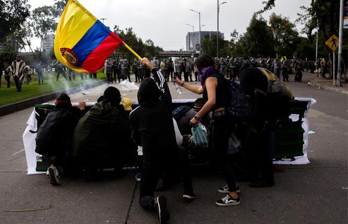 El Paro Nacional dejó desmanes y varias personas detenidas. Foto: EFE