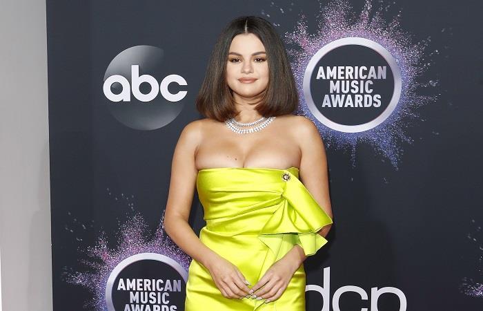 Selena Gómez nuevo álbum enero