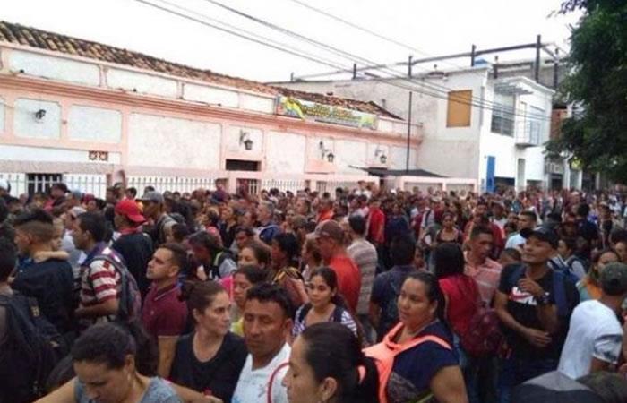 Por el 'Black Friday' se registró masiva llegada de venezolanos a Cúcuta. Foto: Twitter
