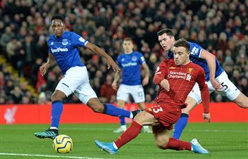 A pesar de su buen partido, Yerry Mina no pudo evitar la goleada de Liverpool sobre Everton