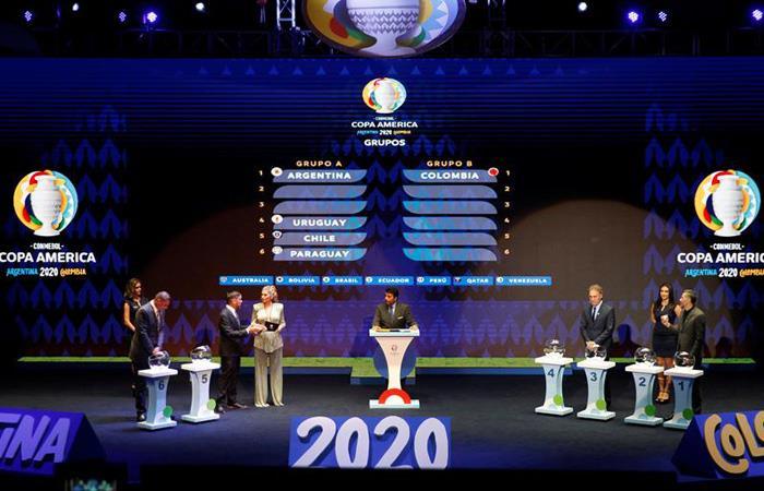 Así fue el sorteo de la Copa América 2020. Foto: EFE
