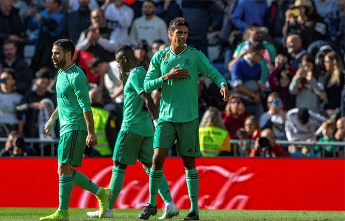 Varane y Benzema le dieron al victoria a Real Madrid. Foto: EFE