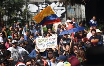 """Los artistas se toman las calles con """"Un canto por Colombia"""""""
