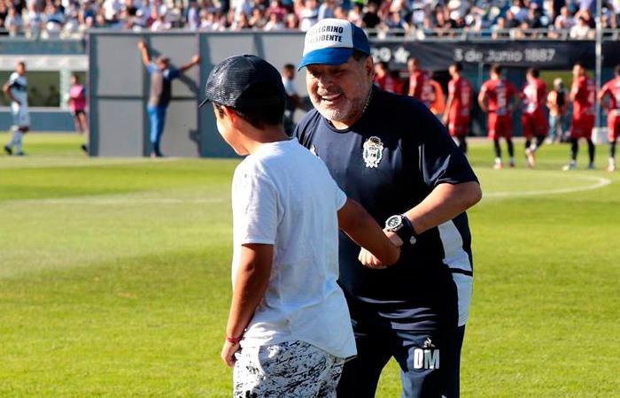 Maradona groserías niños