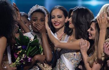 Polémica por video donde se ve a Miss Universo secándose las lágrimas con billetes