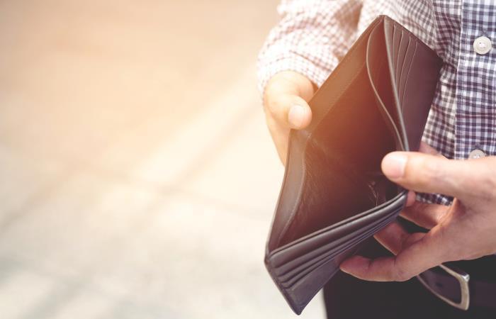 No dejes que tu billetera se encuentre vacía en el 2020. Foto: Shutterstock