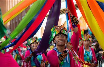 El carnaval de Pasto desdibuja las diferencias sociales en el Día de Negros