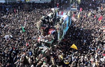 [VIDEO] Estampida en funeral de Soleimani dejó al menos 40 muertos