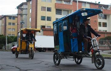Hasta en 'bicitaxi' se 'cuelan' en la Estación Banderas