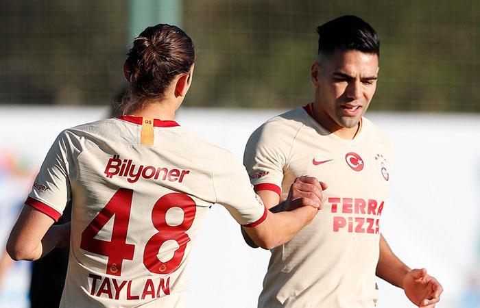 Gol Falcao García partido amistoso Galatasaray Altay