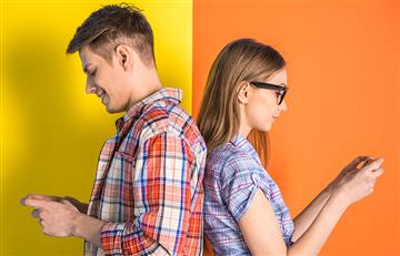 Las parejas felices y las redes sociales no combinan
