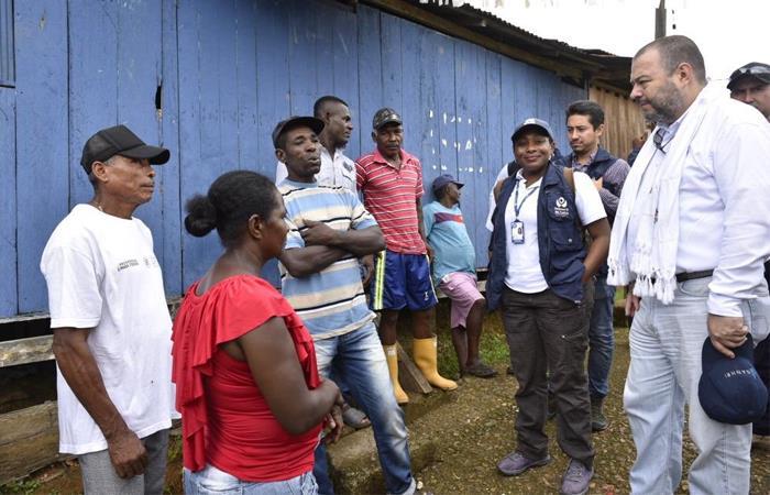 Carlos Negret, defensor del pueblo, visitó la región afectada. Foto: Twitter