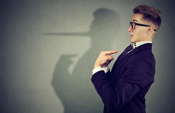 5 señales que delatan a un mentiroso