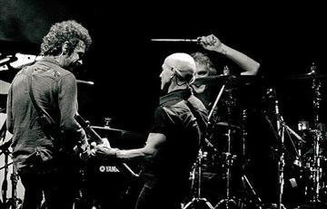 "Soda Stereo prepara su última gira, ""Gracias totales"""