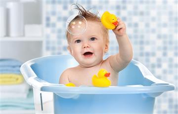 Cuidados indispensables para la hora del baño de los bebés
