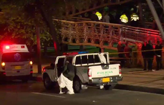 Los hombres fueron asesinados frente al centro comercial Hacienda Santa Bárbara. Foto: Twitter