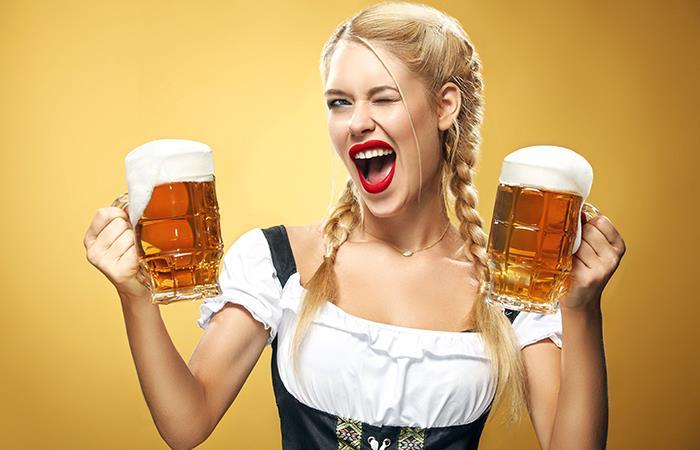 Beber cerveza aumenta tamaño busto