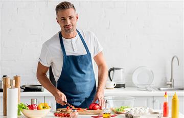 Estudios revelan que las mujeres prefieren a los hombres que lavan y cocinan