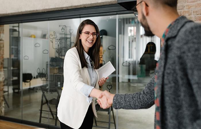 Microsoft para Startups ayuda a conectar con clientes y empresa. Foto: Shutterstock