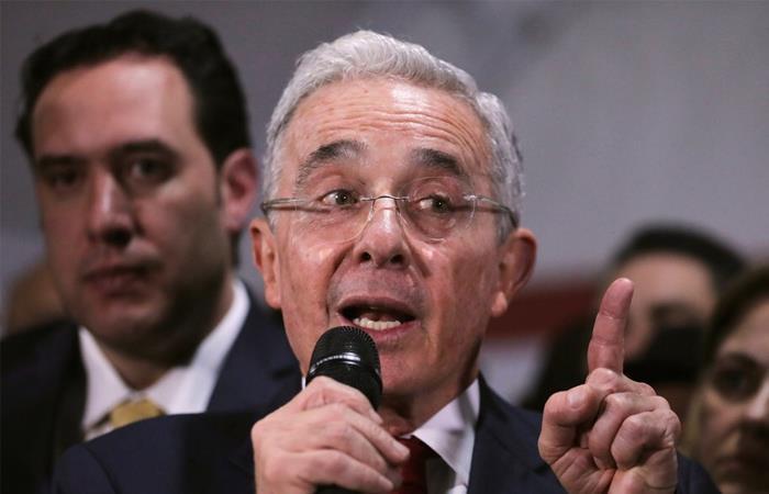 Declaración renta impuestos Álvaro Uribe