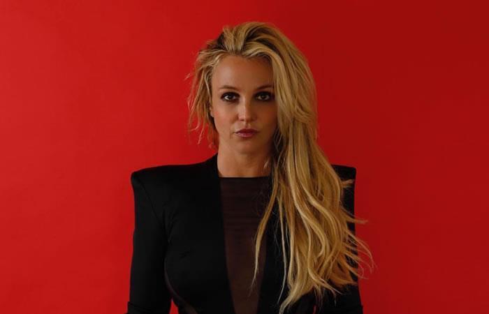 Britney Spears rompe dedo mientras bailaba