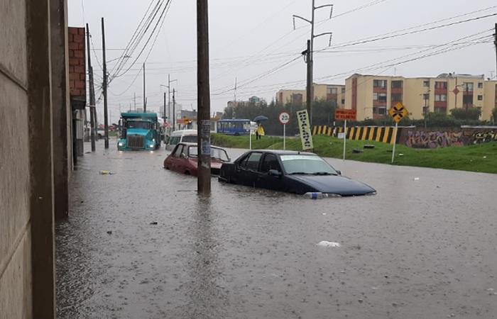 Vías inundadas fuertes lluvias Bogotá