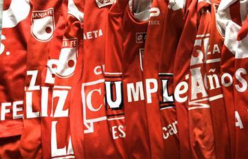 Hasta un campeón de la Premier League felicitó a Santa Fe por su cumpleaños