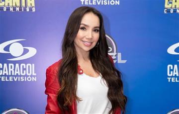 Tildan de 'vulgar' a Paola Jara por el profundo escote que usó en 'A Otro Nivel'