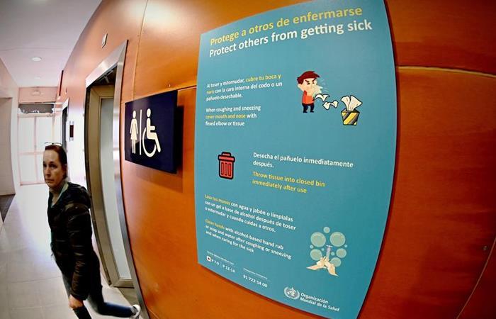 Aviso informativo sobre el coronavirus en España. Foto: EFE