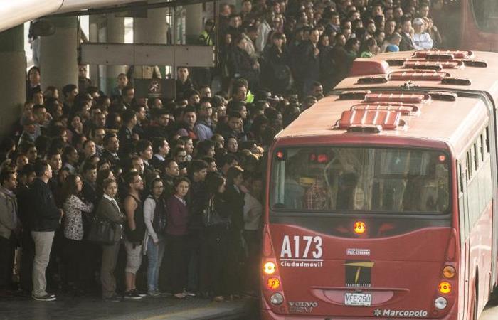 Más de 2 millones usan TransMilenio, en Bogotá, cada día. Foto: Twitter