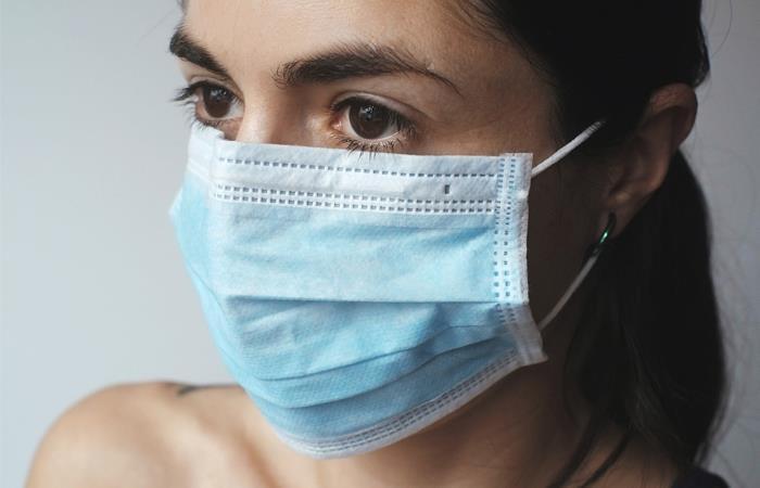 Se recomienda el uso de tapabocas para personas con síntomas gripales. Foto: Pixabay
