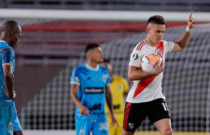Santos Borré anotó en la goleada 8-0 de River a Binacional. Foto: EFE