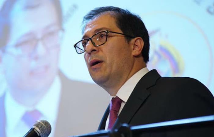 Fiscal Francisco Barbosa impedido para investigar campaña Duque