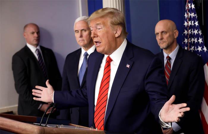 Trump sigue culpando a China por la expansión del coronavirus. Foto: EFE