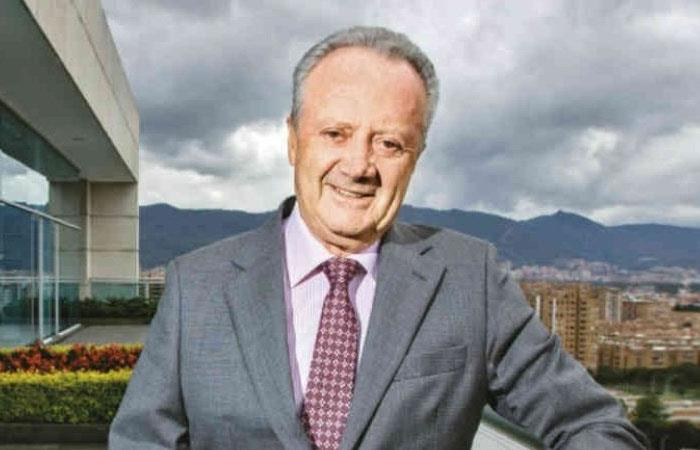 Carta Arturo Calle cierre tiendas coronavirus Colombia