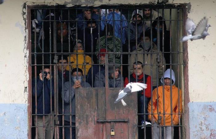 decreto prision domiciliaria cuarentena covid-19 emergencia carcelaria hacinamiento