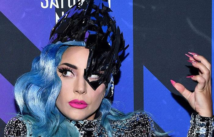 Lady Gaga pospone su nuevo disco