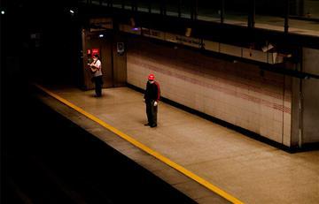 Cuatro fallecidos y más de 1.300 contagiados de COVID-19 en Chile
