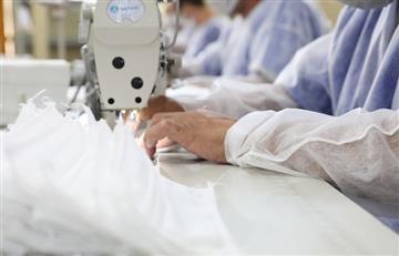 Presos en Brasil están fabricando tapabocas para enfrentar el COVID-19