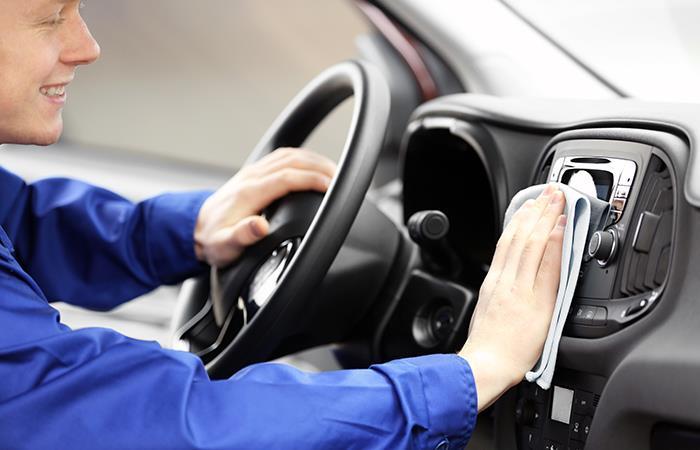 Como desinfectar auto sin dañarlo