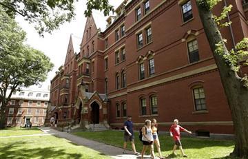 Universidad de Harvard abre 120 opciones de cursos gratis para hacer en cuarentena