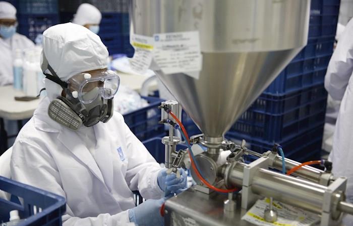 Empresarios fabricación elementos protección salud coronavirus Colombia