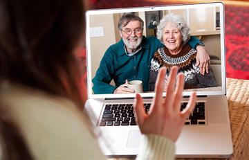 Cuarentena: La OMS recomienda llamar a padres y abuelos con frecuencia