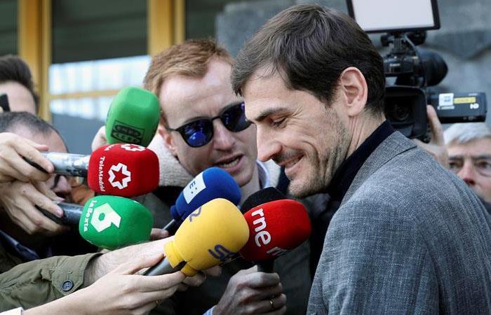 Iker Casillas propone un 'clásico vintage' para ayudar a los más necesitados en España
