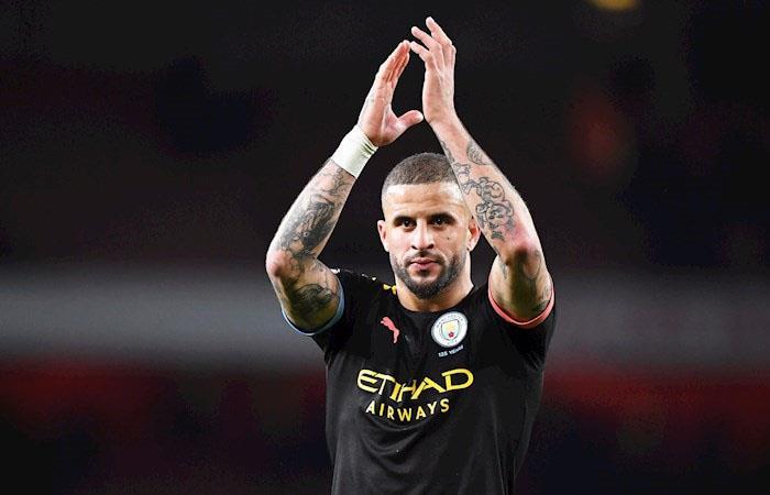 Defensa de Manchester City habría participado de 'fiesta sexual' durante la cuarentena