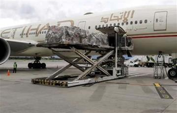 Llegan 56 repatriados de los Emiratos Árabes con 13 toneladas de material médico
