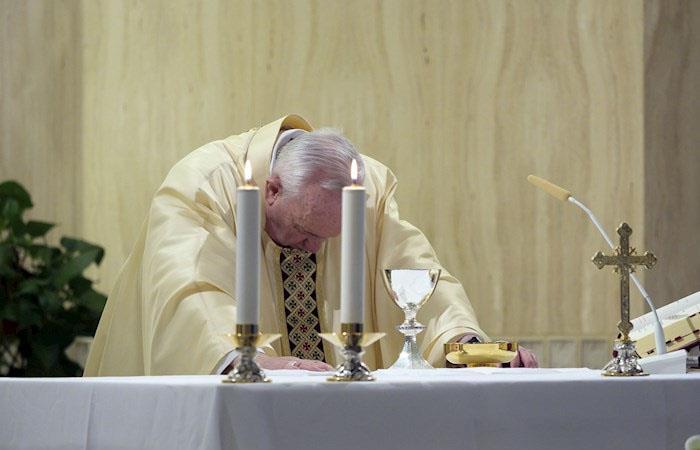 Francisco durante la homilía de este 23 de abril. Foto: EFE